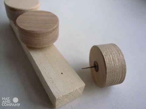木製プッシュピンの試作品 by いろはに木工所
